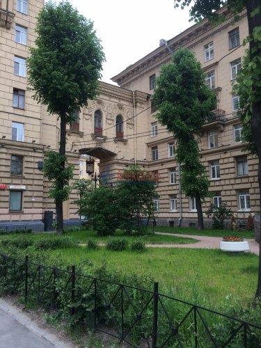 2-комнатная квартира (57м2) на продажу по адресу Стачек пр., 67— фото 1 из 9