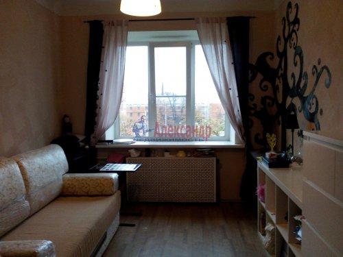 Комната в 3-комнатной квартире (72м2) на продажу по адресу Фарфоровская ул., 14— фото 1 из 4