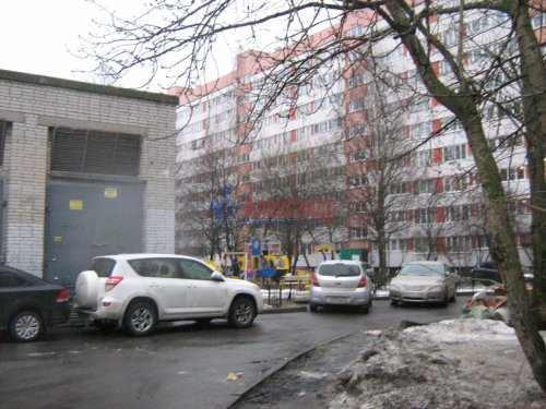 Комната в 3-комнатной квартире (60м2) на продажу по адресу Сикейроса ул., 6— фото 2 из 19