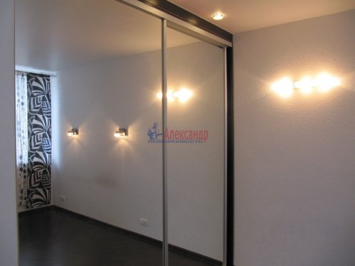 2-комнатная квартира (60м2) на продажу по адресу Вяртсиля пгт., Мира ул., 4— фото 7 из 26