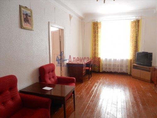 3-комнатная квартира (90м2) на продажу по адресу Малый В.О. пр., 15— фото 2 из 5