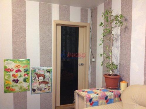 3-комнатная квартира (58м2) на продажу по адресу Красное Село г., Красногородская ул., 17— фото 2 из 9