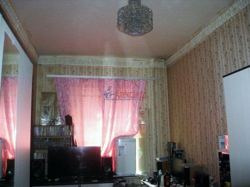 Комната в 4-комнатной квартире (72м2) на продажу по адресу Ропшинская ул., 22— фото 2 из 8