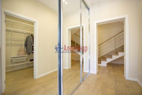 3-комнатная квартира (160м2) на продажу по адресу Репино пос., Зеленогорское шос., 12— фото 3 из 12