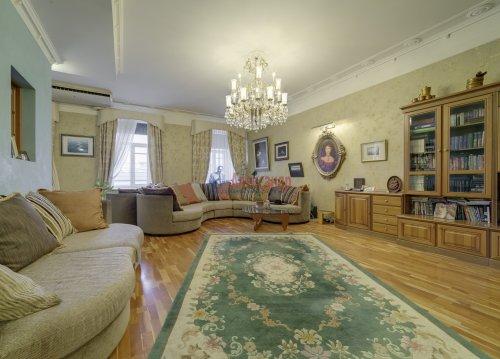 2-комнатная квартира (155м2) на продажу по адресу Садовая ул., 24— фото 3 из 22