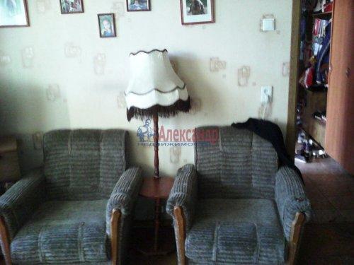 3-комнатная квартира (60м2) на продажу по адресу Ярослава Гашека ул., 4— фото 2 из 9
