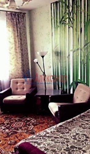 3-комнатная квартира (60м2) на продажу по адресу Саперное пос., Школьная ул., 9— фото 2 из 7