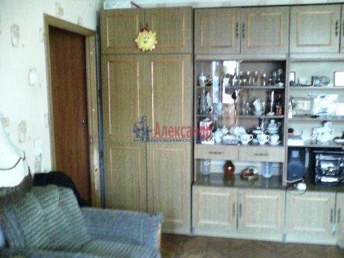 3-комнатная квартира (60м2) на продажу по адресу Ярослава Гашека ул., 4— фото 3 из 9