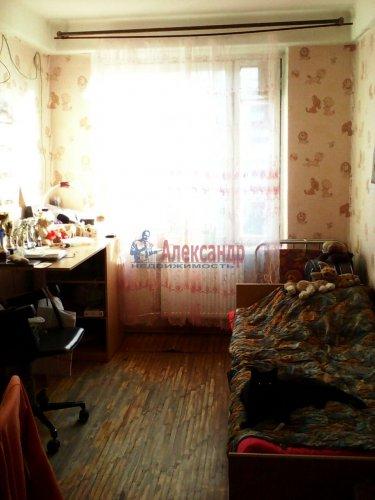 3-комнатная квартира (60м2) на продажу по адресу Ярослава Гашека ул., 4— фото 4 из 9