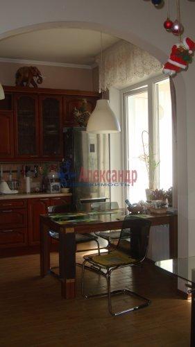 4-комнатная квартира (117м2) на продажу по адресу Кузнецова пр., 22— фото 5 из 21