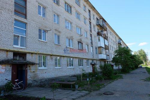 2-комнатная квартира (44м2) на продажу по адресу Мга пгт., Комсомольский пр., 64— фото 1 из 12