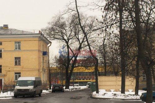 Комната в 3-комнатной квартире (79м2) на продажу по адресу Народного Ополчения пр., 211— фото 3 из 9