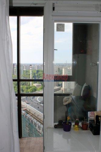 1-комнатная квартира (36м2) на продажу по адресу Есенина ул., 1— фото 2 из 24