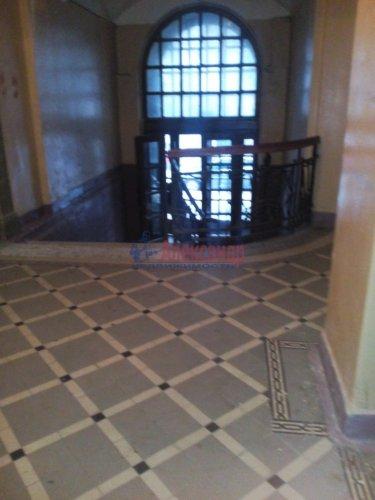Комната в 6-комнатной квартире (135м2) на продажу по адресу 10 Советская ул., 17— фото 4 из 12