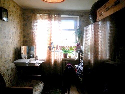 3-комнатная квартира (57м2) на продажу по адресу Кириши г., Ленина пр., 15— фото 2 из 8
