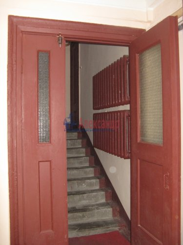Комната в 3-комнатной квартире (75м2) на продажу по адресу Наличная ул., 25— фото 6 из 9