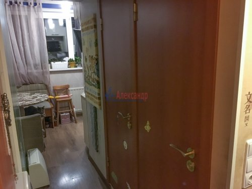 1-комнатная квартира (33м2) на продажу по адресу Поэтический бул., 13— фото 7 из 10