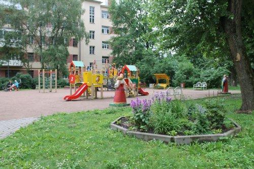 Комната в 20-комнатной квартире (588м2) на продажу по адресу Бумажная ул., 20— фото 3 из 7