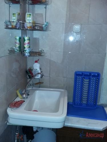 Комната в 16-комнатной квартире (380м2) на продажу по адресу Красное Село г., Гвардейская ул., 25— фото 7 из 9