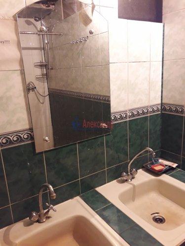 Комната в 8-комнатной квартире (196м2) на продажу по адресу Демьяна Бедного ул., 29— фото 8 из 12