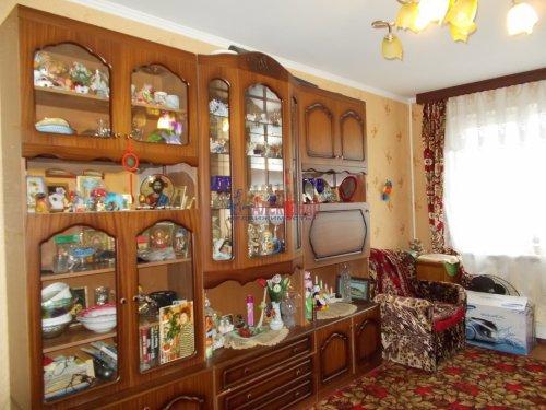 3-комнатная квартира (61м2) на продажу по адресу Ломоносов г., Ораниенбаумский пр., 49— фото 7 из 18