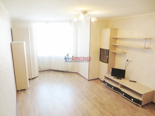 1-комнатная квартира (40м2) на продажу по адресу Караваевская ул., 28— фото 1 из 9