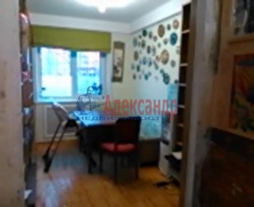 4-комнатная квартира (74м2) на продажу по адресу Художников пр., 3— фото 1 из 4