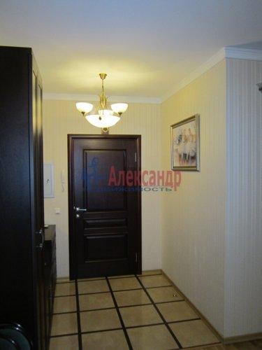 2-комнатная квартира (69м2) на продажу по адресу Ленинский пр., 84— фото 2 из 8