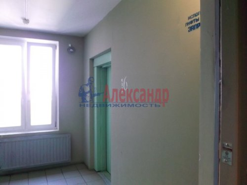 2-комнатная квартира (73м2) на продажу по адресу Большевиков пр., 79— фото 4 из 20