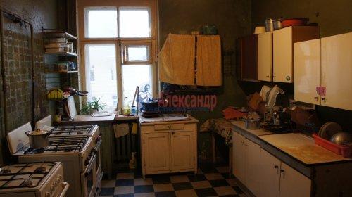 Комната в 9-комнатной квартире (250м2) на продажу по адресу Конторская ул., 14— фото 2 из 14
