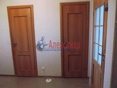 2-комнатная квартира (73м2) на продажу по адресу Большевиков пр., 79— фото 5 из 20