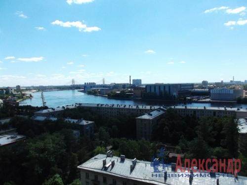 2-комнатная квартира (73м2) на продажу по адресу Большевиков пр., 79— фото 2 из 20