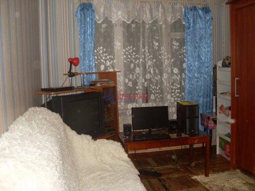 1-комнатная квартира (30м2) на продажу по адресу Октябрьская наб., 80— фото 1 из 7