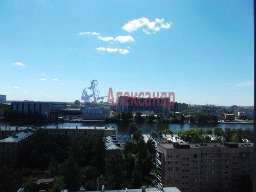 2-комнатная квартира (73м2) на продажу по адресу Большевиков пр., 79— фото 6 из 20