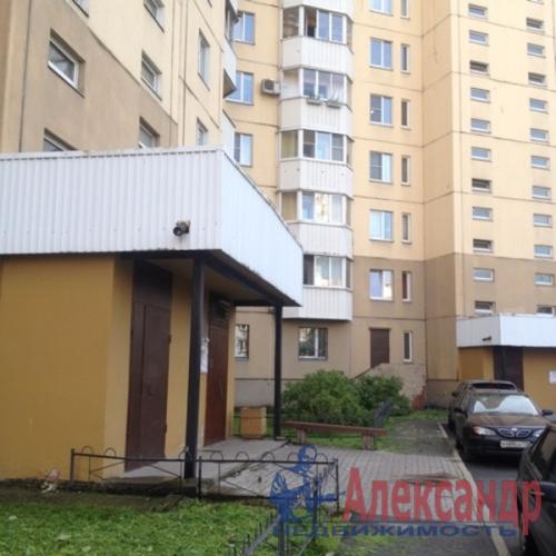 1-комнатная квартира (40м2) на продажу по адресу Большевиков пр., 30— фото 15 из 18