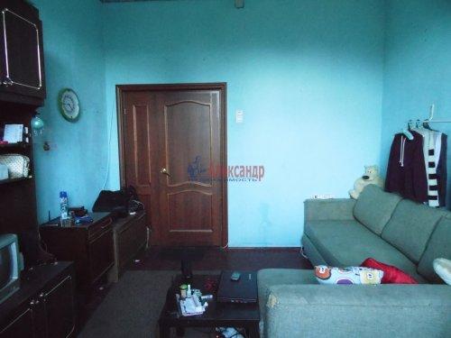 Комната в 4-комнатной квартире (115м2) на продажу по адресу Октябрьская наб., 24— фото 1 из 9