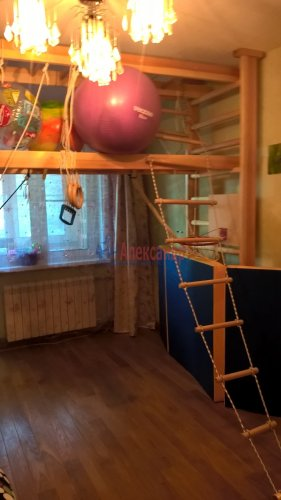 2-комнатная квартира (57м2) на продажу по адресу Отрадное г., Гагарина ул., 14— фото 6 из 13