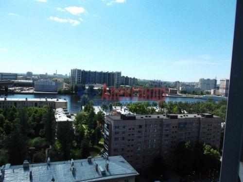 2-комнатная квартира (73м2) на продажу по адресу Большевиков пр., 79— фото 10 из 20