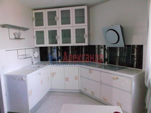 2-комнатная квартира (73м2) на продажу по адресу Большевиков пр., 79— фото 11 из 20