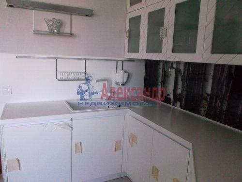 2-комнатная квартира (73м2) на продажу по адресу Большевиков пр., 79— фото 12 из 20