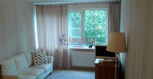 1-комнатная квартира (31м2) на продажу по адресу Учительская ул., 12— фото 1 из 12