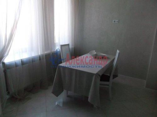 2-комнатная квартира (73м2) на продажу по адресу Большевиков пр., 79— фото 15 из 20