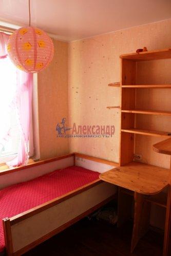3-комнатная квартира (42м2) на продажу по адресу Свердлова пгт., Микрорайон №2 р-н, 50— фото 4 из 23
