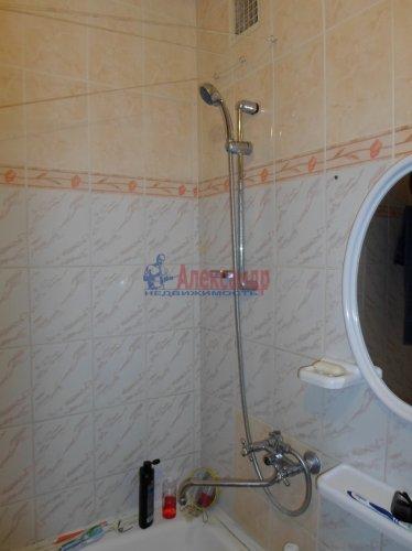 2-комнатная квартира (48м2) на продажу по адресу Коммунар г., Ленинградская ул., 4— фото 7 из 10