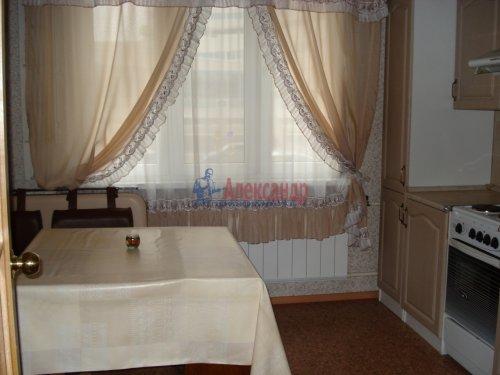 1-комнатная квартира (39м2) на продажу по адресу Оптиков ул., 52— фото 16 из 24