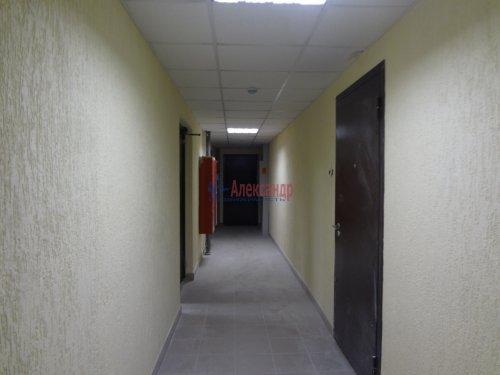 2-комнатная квартира (60м2) на продажу по адресу Мурино пос., Охтинская аллея, 14— фото 3 из 17