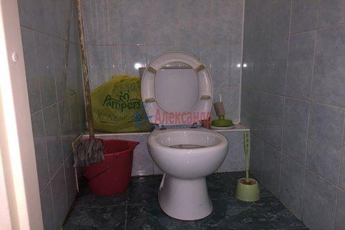 Комната в 12-комнатной квартире (623м2) на продажу по адресу Смоленская ул., 31— фото 6 из 7