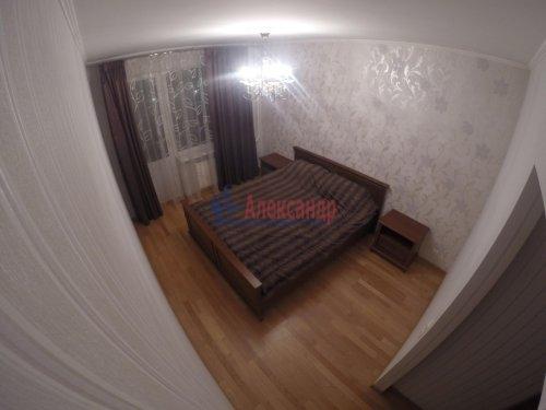 2-комнатная квартира (69м2) на продажу по адресу Шушары пос., Пушкинская ул., 48— фото 4 из 16