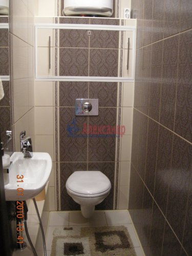 2-комнатная квартира (77м2) на продажу по адресу Луначарского пр., 15— фото 8 из 10