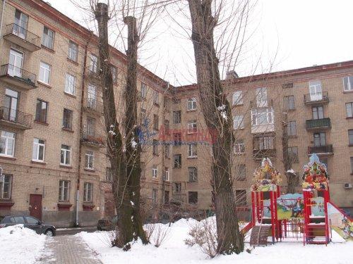 Комната в 3-комнатной квартире (83м2) на продажу по адресу Двинская ул., 11— фото 2 из 8